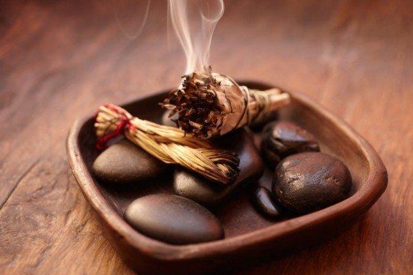 Народни съвети за това как да се отървете от миризмата на изгоряло в къщата